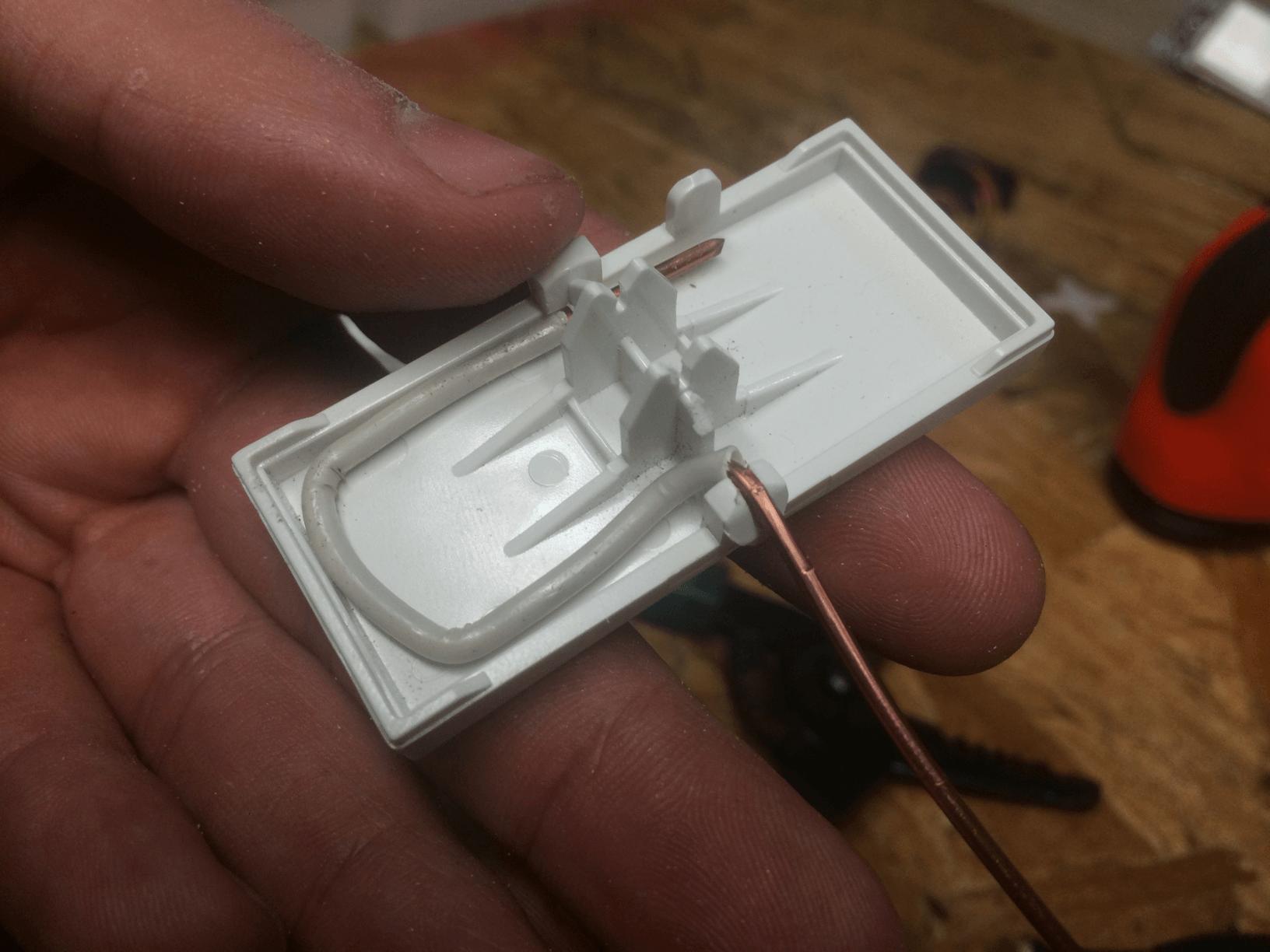 Arduino controlled light switch echotwek